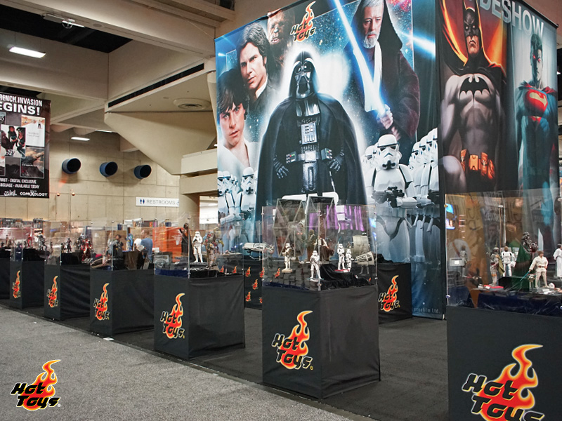 SDCC15: Preview Night with Hot Toys at Sideshow's Booth